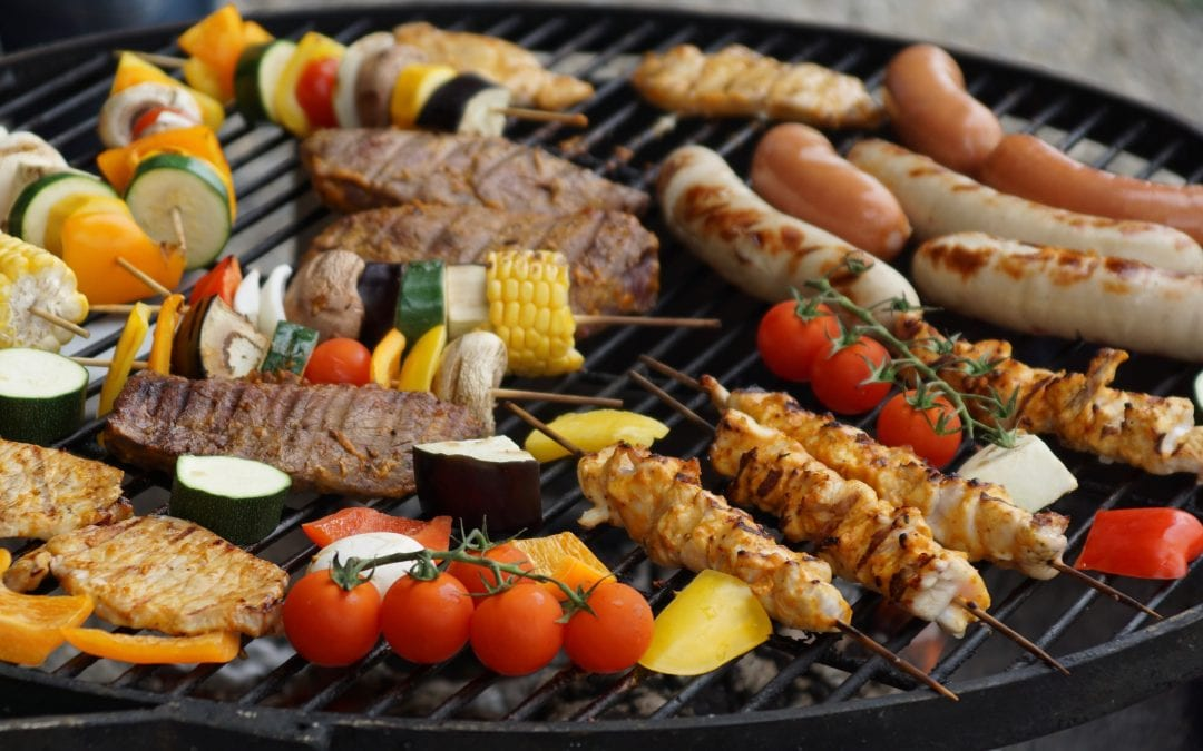 4 Tips For Throwing a Fall Barbecue